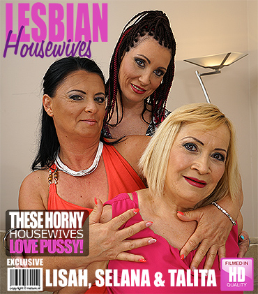 1_Mature.nl_presents_Lisah__62___Selana__49___Talita__43__in_3_mature_lesbians_sharing_their_pussies_-_11.01.2017.jpg