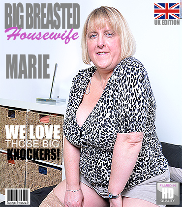 1_Mature.nl_presents_Marie__EU___48__in_British_big_breasted_BBW_fingering_herself_-_10.01.2017.jpg