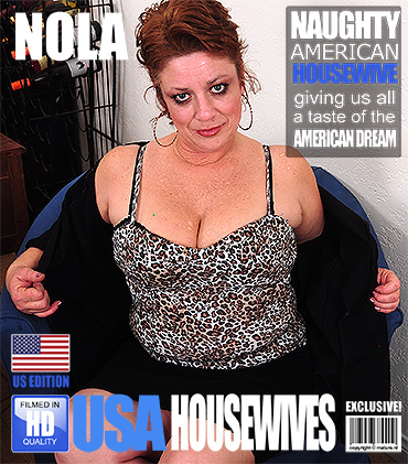 1_Mature.nl_presents_Nola_D.__46__in_American_chubby_mature_lady_fooling_around_-_04.01.2017.jpg