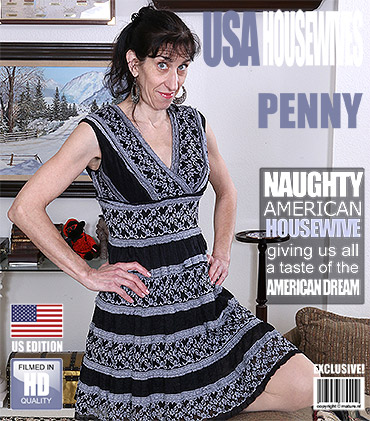 1_Mature.nl_presents_Penny_J.__50__in_American_mature_lady_fingering_herself_-_24.01.2017.jpg