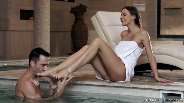 21Naturals_-_21FootArt_presents_Tina_Kay_in_Toes_In_The_Hot-Tub_-_06.01.2017.mp4.00001.jpg