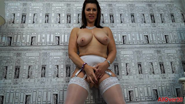 AllOver30_presents_Raven_48_years_old_Mature_Pleasure_-_07.01.2017.wmv.00014.jpg