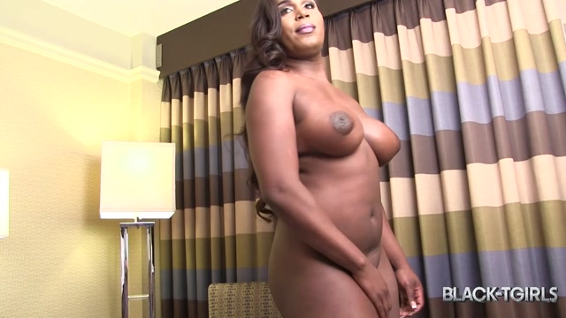 Black-tgirls_presents_Meet_Stunning_Curvy_Desarai_XXL__-_19.01.2017.mp4.00004.jpg