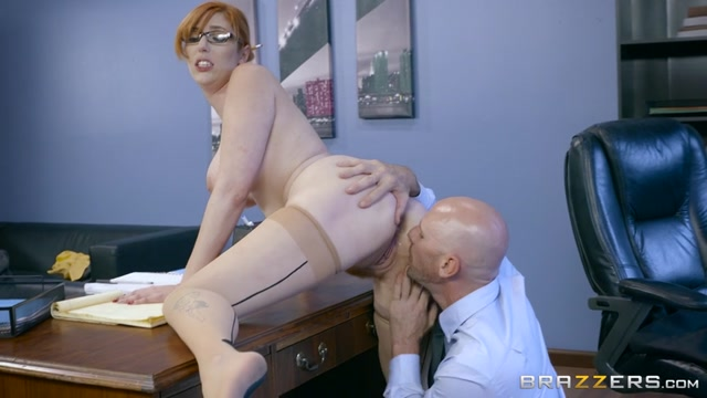 Brazzers_-_BigTitsAtWork_presents_Lauren_Phillips_in_The_New_Girl__Part_1_-_11.01.2017.mp4.00006.jpg