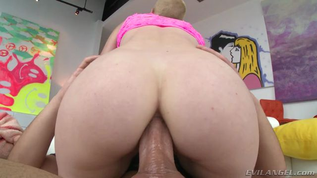 EvilAngel_presents_Riley_Nixon_in_Life_Of_Riley__Mouth_And_Ass_Fucked.mp4.00011.jpg