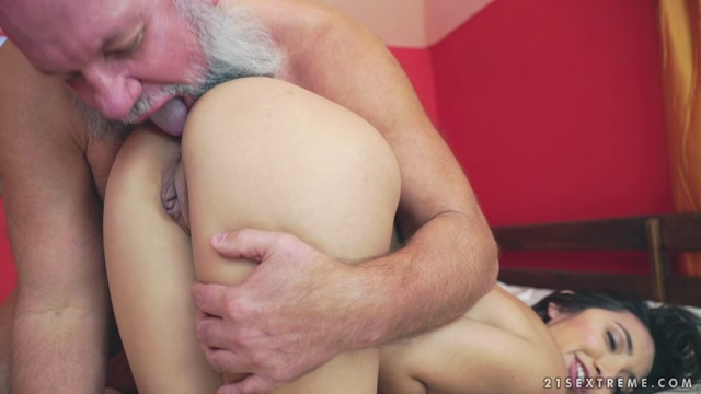 Watch Online Porn – GrandpasFuckTeens presents Frida Sante, Albert in Games with Grandpa – 25.01.2017 (MP4, FullHD, 1920×1080)
