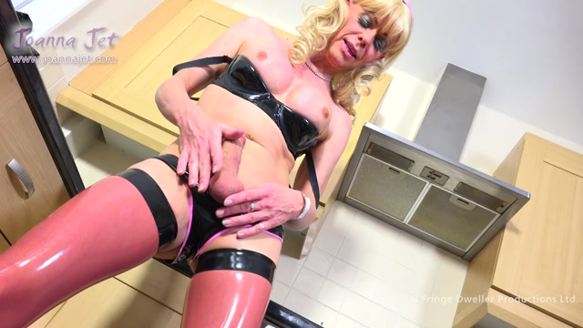 JoannaJet_presents_Joanna_Jet_-_Me_and_You_236_-_Latex_Housewife_-_06.01.2017.mp4.00007.jpg