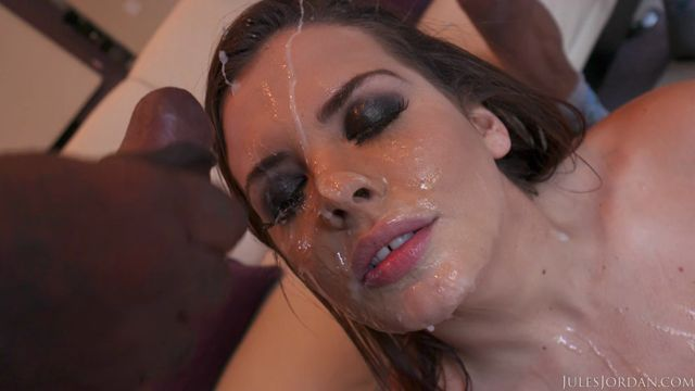 Watch Online Porn – JulesJordan presents Keisha Grey Gets Her Ass Full Of Lex And A Face Full Of Icing From His Friends – 04.01.2017 (MP4, SD, 992×558)