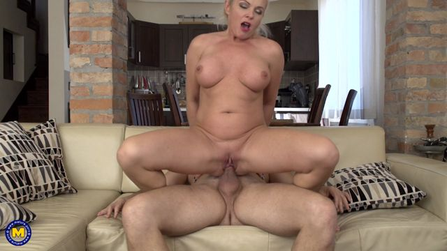 Watch Online Porn – Mature.nl presents Krista E. (44) in Horny housewife fucking and sucking – 24.01.2017 (MP4, FullHD, 1920×1080)