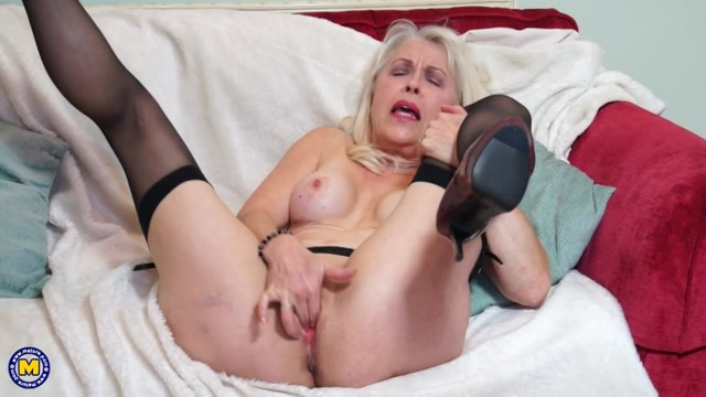 Watch Online Porn – Mature.nl presents Lady Sextasy (EU) (64) in British mature lady playing with herself – 05.01.2017 (MP4, SD, 960×540)