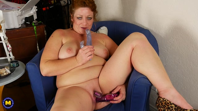 Watch Online Porn – Mature.nl presents Nola D. (46) in American chubby mature lady fooling around – 04.01.2017 (MP4, FullHD, 1920×1080)
