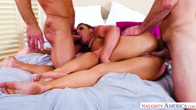 Watch Online Porn – NaughtyAmerica – MyGirlLovesAnal presents Phoenix Marie, Charles Dera, Johnny Castle – 06.01.2017 (MP4, SD, 854×480)