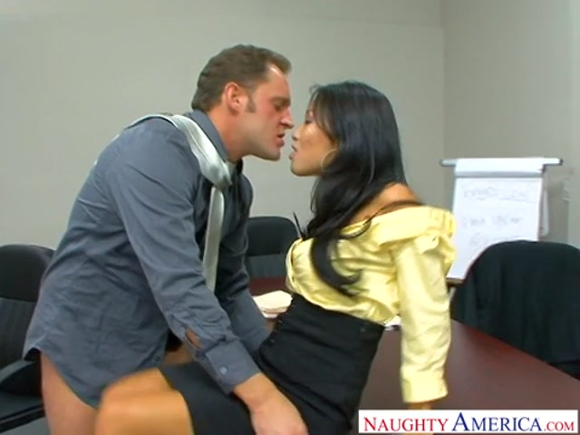NaughtyAmerica_-_NaughtyOffice_presents_Asa_Akira_-_Remastered_-_03.01.2017.mp4.00005.jpg