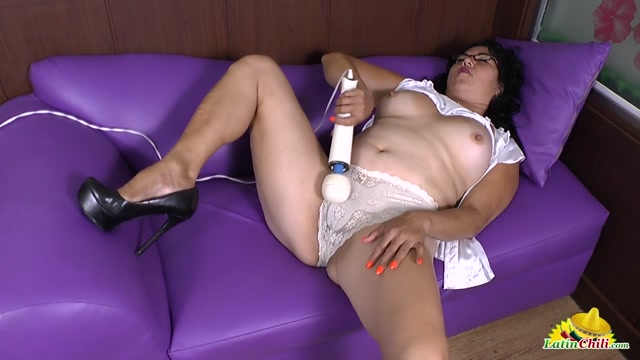 Oldnanny_-_LatinCili_presents_Latin_Mature_Lucia_With_Hairy_Pussy_Achieves_Intense_Orgasm_-_24.01.2017.mp4.00007.jpg