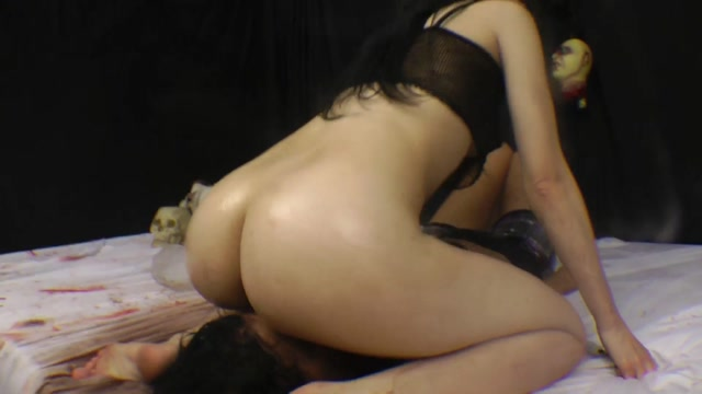 Scat_-_SG-Video_presents_Karina_Cruel_in_Facesitting_-_Enema_Diarrhea_X-tra_Dirty_by_Brutal_Karina_Cruel.mp4.00015.jpg