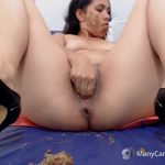 Scat girl play with feces on webcam