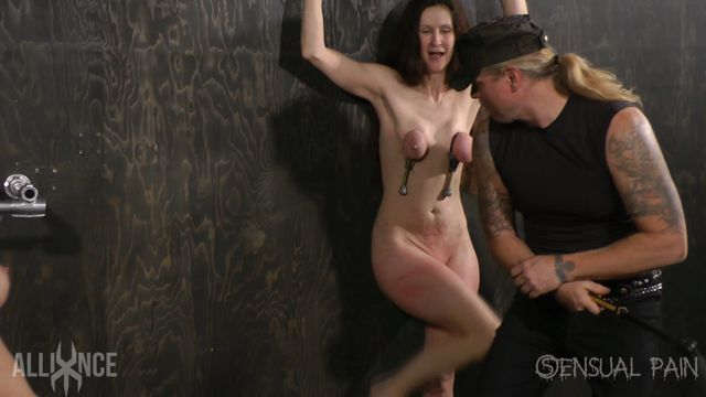 SensualPain_presents_Tandem_slave_Beating_-_08.01.2017.mp4.00014.jpg