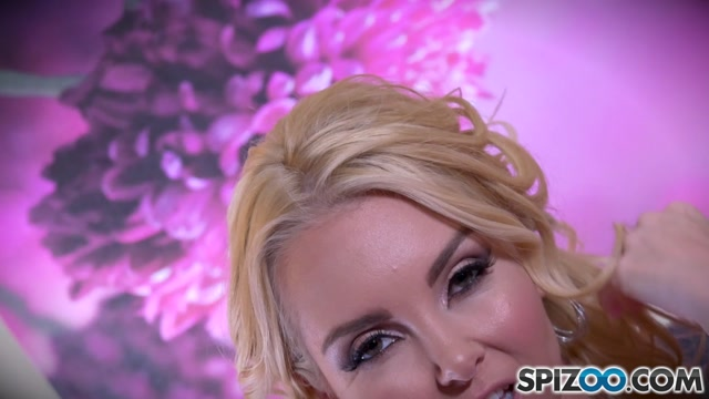Spizoo_presents_Aaliyah_Love_Love_Pink_Bed_-_04.01.2017.mp4.00002.jpg