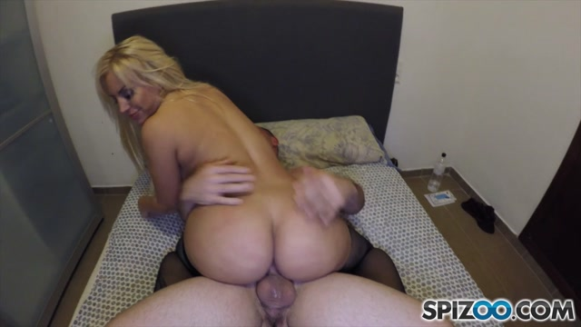 Spizoo_presents_Blondie_Fesser_in_Amature_Meeting_-_29.01.2017.mp4.00013.jpg