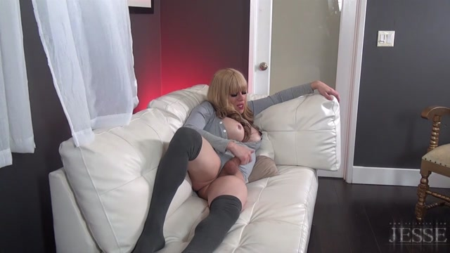 TS-Jesse_presents_TS_Jesse_in_Extended_BTS_of_Shades_of_Grey_-_26.01.2017.mp4.00010.jpg