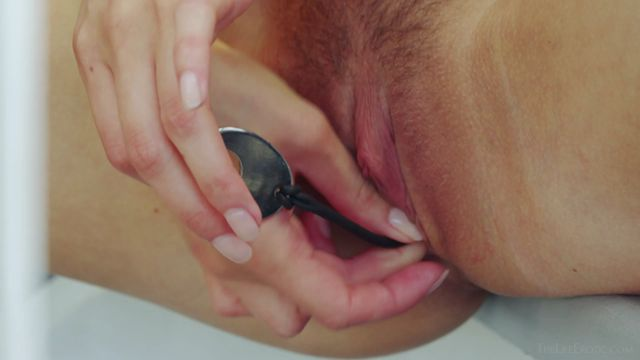 TheLifeErotic_presents_Kira_Zen_in_Play_For_Me_-_03.01.2017.mp4.00011.jpg