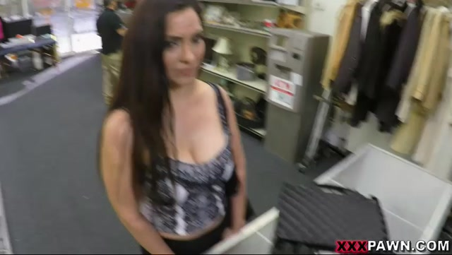 Watch Online Porn – XXXPawn presents Sophie Leon (MP4, SD, 852×480)