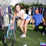 RealityKings – SneakySex presents Jaye Summers in Yard Sale – 28.01.2017