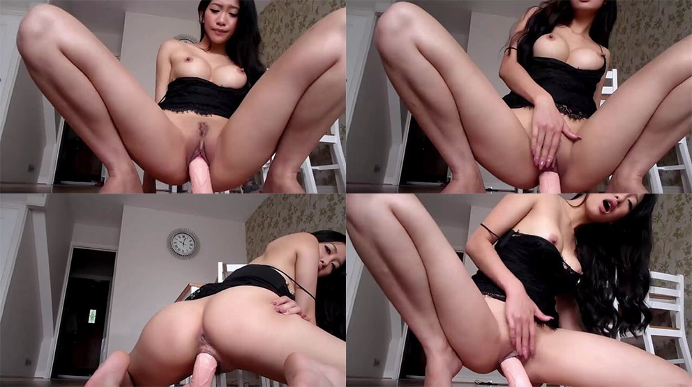 1_ManyVids_Webcams_Video_presents_Girl_MissReinaT_in_Spy_on_my_private_show.jpg