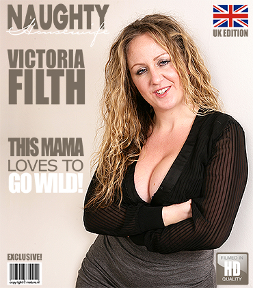 1_Mature.nl_presents_Victoria_Filth__EU___32__in_British_curvy_housewife_fingering_herself_-_09.02.2017.jpg