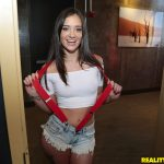 RealityKings – CumFiesta presents Gia Paige in Jizzy Gia – 07.02.2017