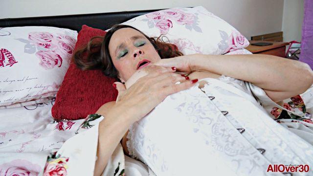 Watch Online Porn – Allover30 presents Josie Posie 51 years old Ladies with Toys – 08.02.2017 (WMV, FullHD, 1920×1080)