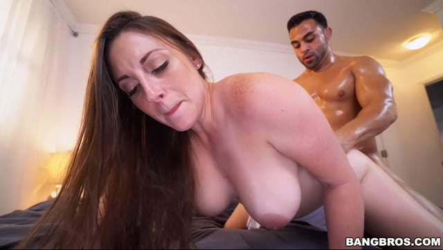 Watch Online Porn – BangBros – BigTitsRoundAsses presents Melanie Hicks Showing off her delicious big tits – 09.02.2017 (MP4, SD, 852×480)