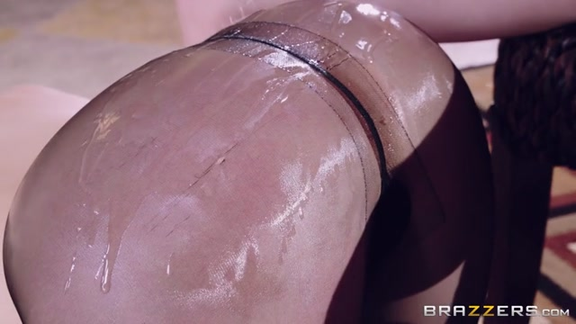 Watch Online Porn – Brazzers – BigWetButts presents Kagney Linn Karter in Plump Pantyhose – 28.02.2017 (MP4, SD, 854×480)