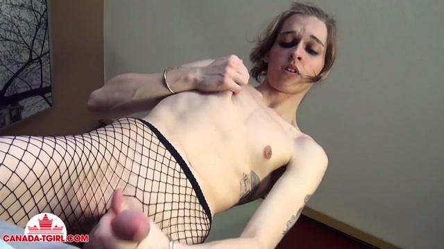 Watch Online Porn – Canada-tgirl presents Luna Loveless in Luna Doesnt Get Bored! – 21.02.2017 (MP4, HD, 1280×720)