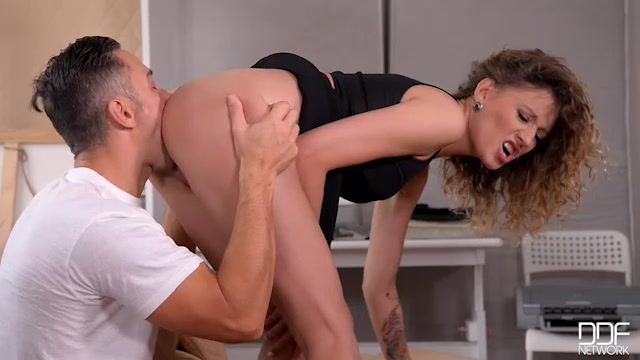 Watch Online Porn – DDFNetwork – HandsOnHardcore presents Stasy Riviera in A Workmans Dream: Russian Goddess Gets Her Pussy Fucked! – 04.02.2017 (MP4, SD, 640×360)