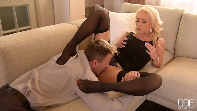 DDFNetwork_-_HotLegsAndFeet_presents_Christina_Shine_in_Toe_Loving_Philanderer__Sexy_Blonde_Gives_Him_Dream_Footjob_-_13.02.2017.mp4.00002.jpg