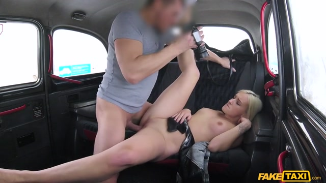 FakeHub_-_FakeTaxi_presents_Daisy_Lee_in_Customer_Gets_Steamy_Taxi_Massage_-_16.02.2017.mp4.00014.jpg
