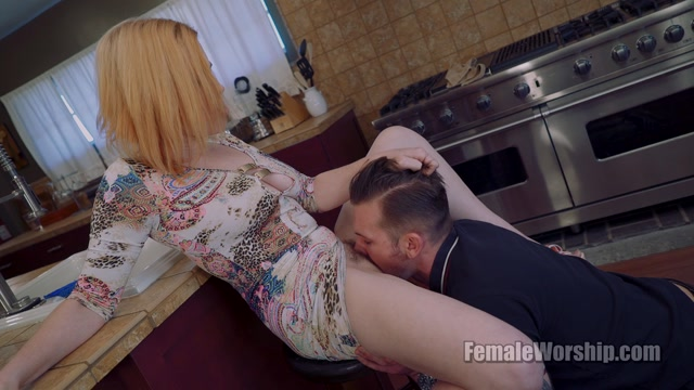 FemaleWorship_presents_Jessica_in_Nibble_On_My_Clit_-_20.02.2017.mp4.00010.jpg