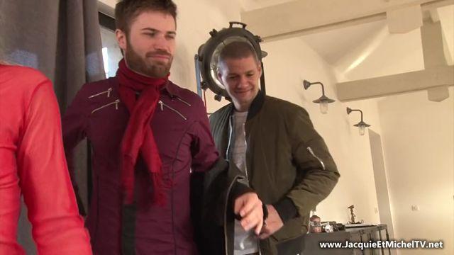 Watch Online Porn – Jacquieetmicheltv presents Eve deguste son trio – 21.02.2017 (MP4, SD, 852×480)