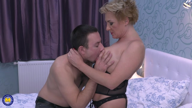 Watch Online Porn – Mature.nl presents Jazmin (45) in Horny housewife fucking and sucking – 02.02.2017 (MP4, FullHD, 1920×1080)