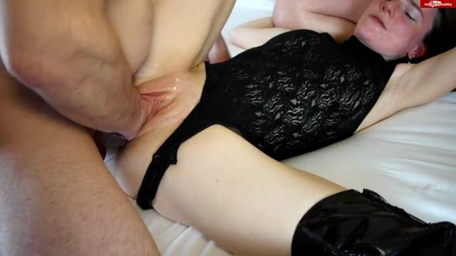 Watch Online Porn – MyDirtyHobby presents KarinaHH in Krasser Dreier – Teil 1 (MP4, FullHD, 1920×1080)