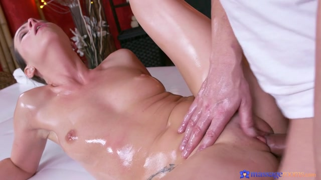 SexyHub_-_MassageRooms_presents_Caroline_Ardolino_in_Milf_has_multiple_squirting_orgasms_-_09.02.2017.mp4.00009.jpg