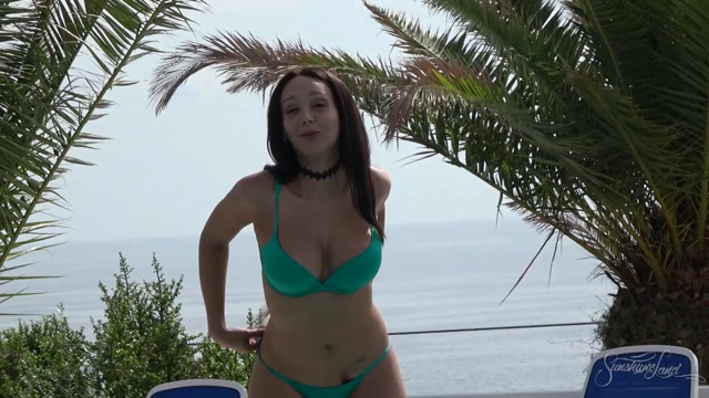 SunshyneLand_presents_Sunshyne_Monroe_in_Poolside_-_16.02.2017.mp4.00001.jpg