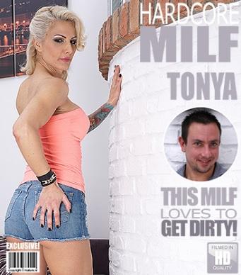 1_Mature.nl_presents_Tonya__42__in_Hot_MILF_fucking_and_sucking_-_08.03.2017.jpg