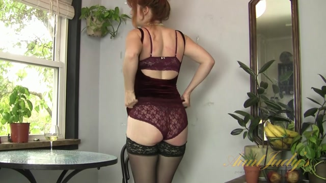AuntJudys_presents_Amber_Dawn_in_masturbation_-_27.03.2017.mp4.00002.jpg