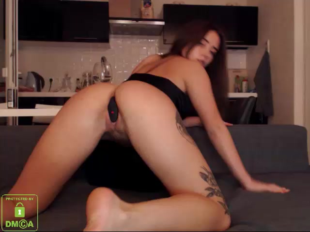 Bongachats_Webcams_Video_presents_Girl_Lovemegentle_aka_Babymelony_-_27.03.2017.flv.00010.jpg