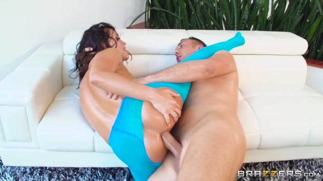 Watch Online Porn – Brazzers – BrazzersExxtra presents Adriana Chechik in The Ass On Adriana – 04.03.2017 (MP4, SD, 854×480)