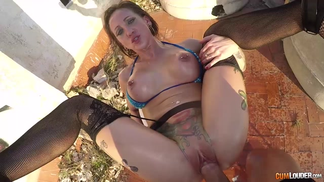 Watch Online Porn – CumLouder – StreetSuckers presents Betty Foxxx in Sit On My Cock – 30.03.2017 (MP4, HD, 1280×720)