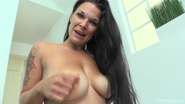 Watch Online Porn – FTVMilfs presents Veronica in SuperFit SuperSexy – Busty Natural Milf 6 – 14.03.2017 (MP4, FullHD, 1920×1080)
