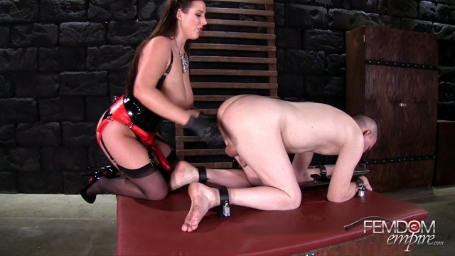 FemdomEmpire_presents_Amy_White_in_Ass_to_Mouth_-_16.03.2017.mp4.00005.jpg